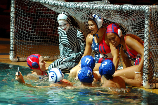 """Olympic gold medalists in water polo find playtime at Cirque du Soleil's """"O."""" (Cirque du Soleil)"""
