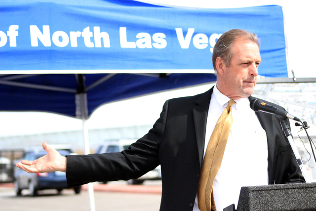 North Las Vegas Mayor John Lee announces that the pig farm will be sold at a press conference Monday, Mar. 7, 2016. The city plans to have North 5th street run through part of the land where the f ...