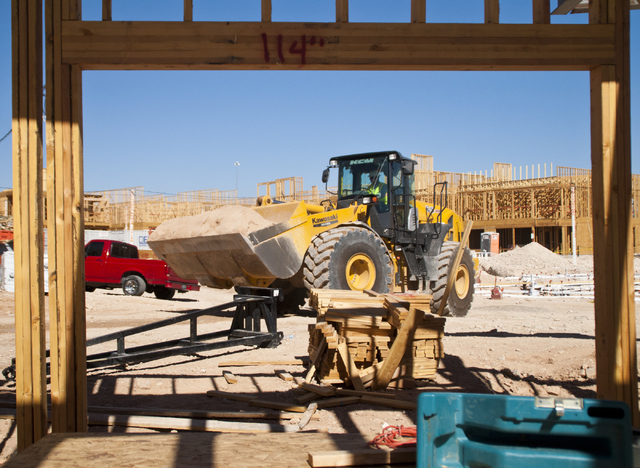 Construction continues at the future site of the South Beach luxury apartment complex in Las Vegas on Thursday, Sept. 8, 2016. Daniel Clark/Las Vegas Review-Journal Follow @DanJClarkPhoto