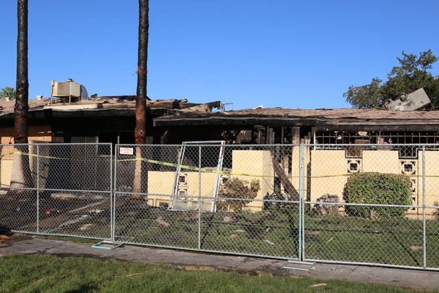 Twenty people were displaced after a fire heavily damaged eight apartments at Paradise Spa Apartments, 9457 Las Vegas Blvd. South, late Tuesday night, Sept. 6, 2016. (Bizuayehu Tesfaye/Las Vegas R ...