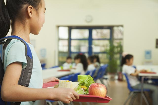School cafeteria (Thinkstock)