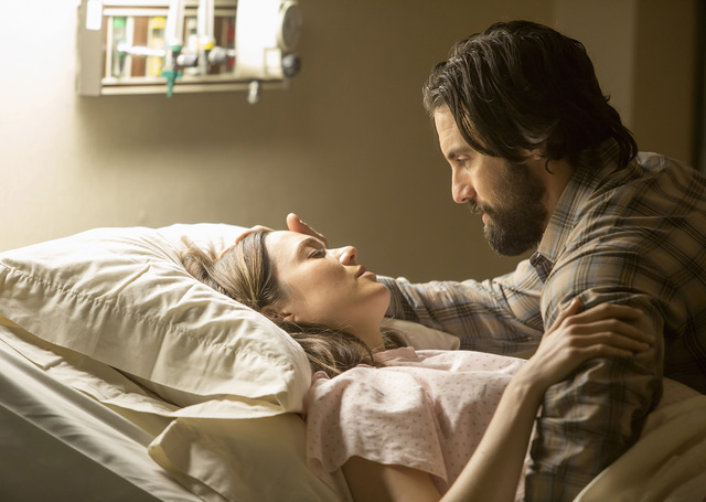 THIS IS US -- Pilot -- Pictured: (l-r) Mandy Moore as Rebecca, Milo Ventimiglia as Jack -- (Photo by: Ron Batzdorff/NBC)