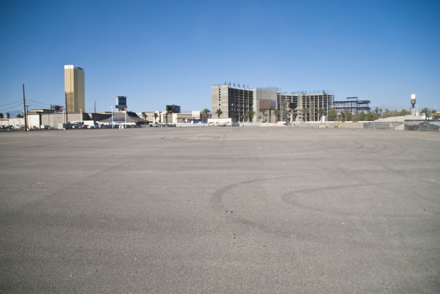 A 5.5 acre lot for sale near the site where the Riviera hotel-casino once stood is seen in Las Vegas on Friday, Sept. 23, 2016. The sellers are asking for $30 million per acre. Daniel Clark/Las Ve ...