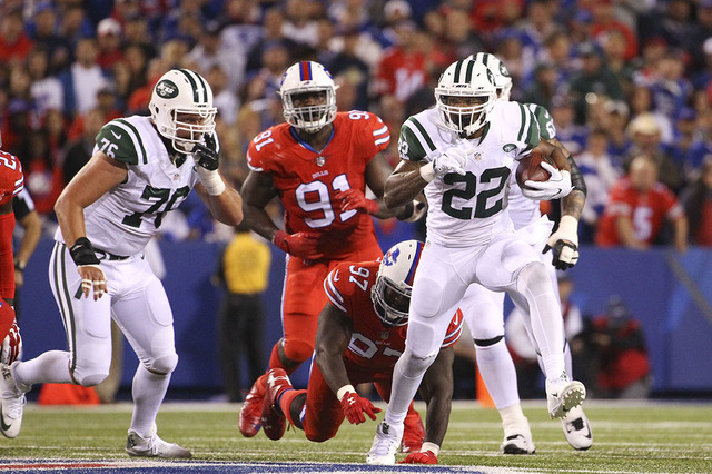 New York Jets running back Matt Forte (22) gains yards during the second half an NFL football game against the Buffalo Bills on Thursday, Sept. 15, 2016, in Orchard Park, N.Y. (AP Photo/Bill Wippert)