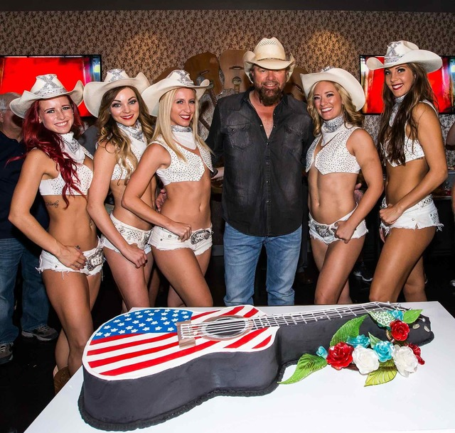 "Toby Keith and the cast of ""X Country"" at Toby Keith's I Love This Bar & Grill at Harrah's on Friday, Sept. 30, 2016, in Las Vegas. (Courtesy)"