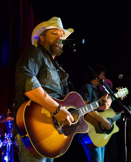 Toby Keith performs at Toby Keith's I Love This Bar & Grill at Harrah's on Friday, Sept. 30, 2016, in Las Vegas. (Courtesy)