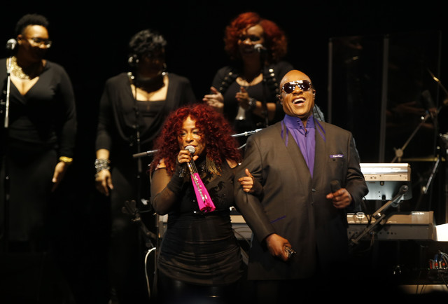 Stevie Wonder and Chaka Khan perform during a tribute concert Thursday, Oct. 13, 2016, in St. Paul, Minnesota, honoring the late musician Prince, who died in April. (Jim Mone/AP)