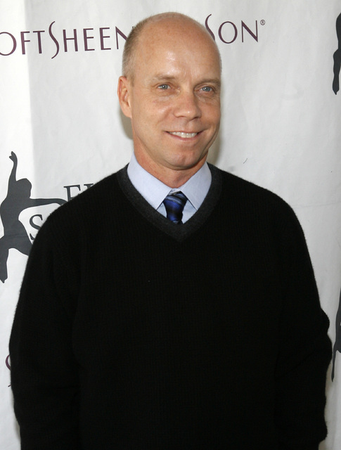 "FILE - In this April 9, 2007 file photo, former Olympic figure skating gold medalist Scott Hamilton arrives for Figure Skating In Harlem's annual gala ""Skating with the Stars"" at ..."