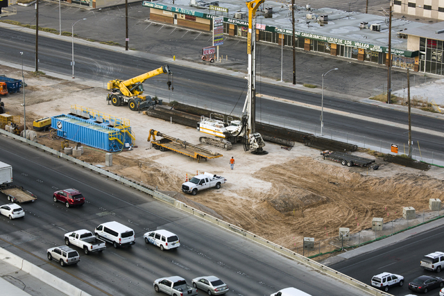 Morning southbound Interstate 15 traffic, seen from the top of the World Market Center, flows past construction on Thursday, Oct. 27, 2016. I-15 southbound and northbound ramps connecting to north ...