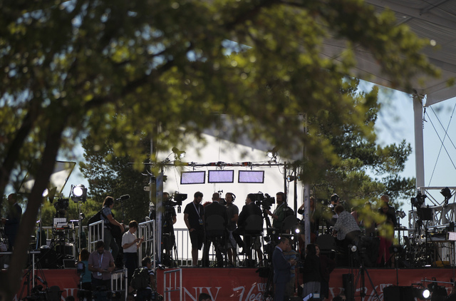 Members of the news media gather outside of the Thomas & Mack Center ahead of the third presidential debate at UNLV in Las Vegas on Wednesday, Oct. 19, 2016. Chase Stevens/Las Vegas Review-Jou ...