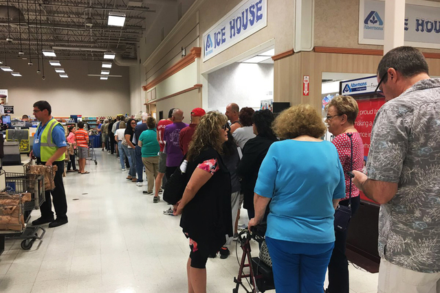 On the first day of early voting a long line of voters formed at Albertsons on Stephanie & Horizon Ridge in Henderson on Saturday Oct. 22, 2016. (@nataliebruzda/Twitter) #earlyvote