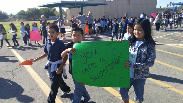 Gene Ward Elementary School students rally for the Ride for Reading event on Sept. 22, 2016. Rocio Hernandez/View