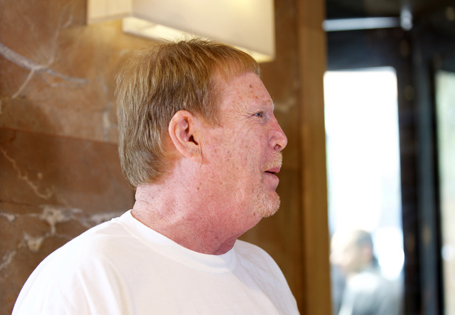 Oakland Raiders owner Mark Davis speaks to news media in the hotel lobby following the NFL owners meeting in Houston on Oct. 19, 2016. (Heidi Fang/Las Vegas Review-Journal)