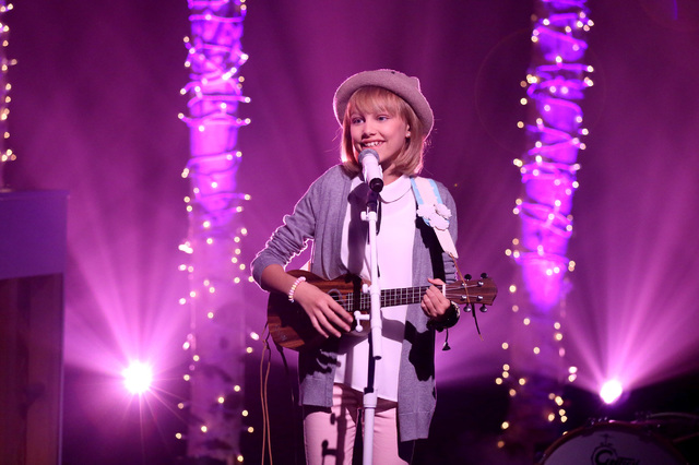 Musical guest Grace VanderWaal performs on The Tonight Show with Jimmy Fallon on September 23, 2016. (Andrew Lipovsky/NBC)