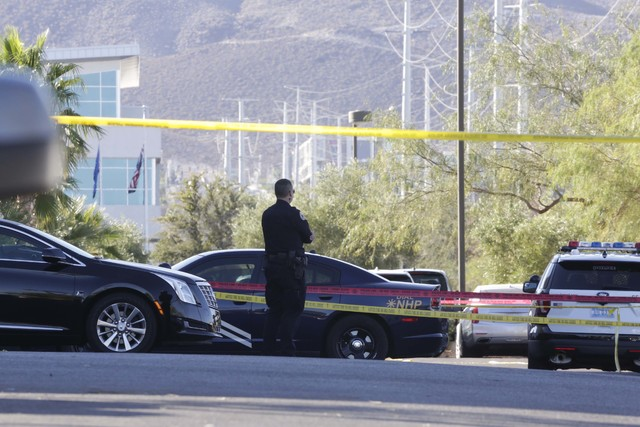 Law enforcement activity on Gibson Road near Auto Show Drive in Henderson, Wednesday, Oct. 19, 2016. (Bizuayehu Tesfaye/Las Vegas Review-Journal Follow @bizutesfaye)
