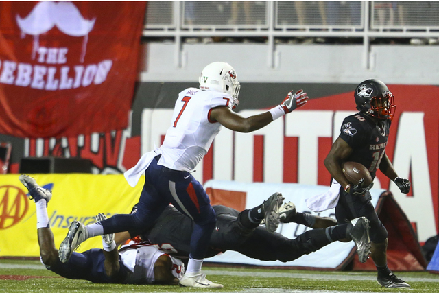 UNLV wide receiver Darren Woods Jr  out for season with knee