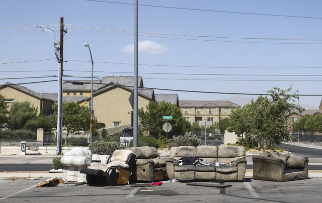 Wal mart food 4 less closings strand many in las vegas for Furniture 4 less las vegas