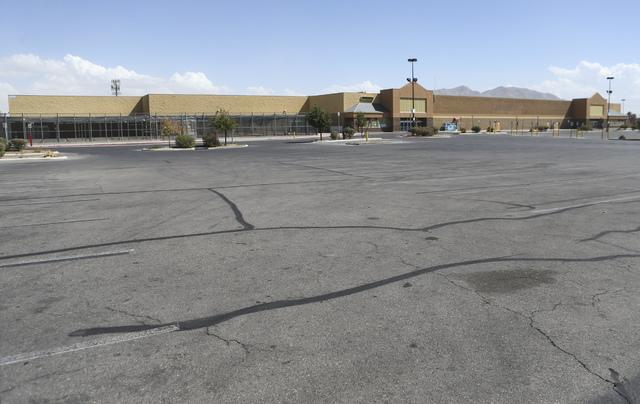 A former Walmart location is shown at 4350 N. Nellis Blvd. in Las Vegas on Thursday, Sept. 22, 2016. Chase Stevens/Las Vegas Review-Journal Follow @csstevensphoto