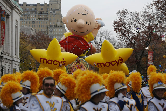 Balloons sit on Central Park West before the 90th Macy's Thanksgiving Day Parade in Manhattan, New York, U.S. November 24, 2016.  REUTERS/Andrew Kelly