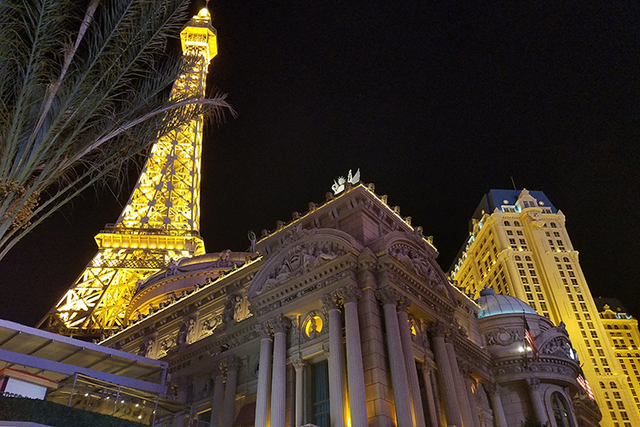 Paris Las Vegas was evacuated early Thursday, Nov. 4, 2016, after a power outage. (Mike Shoro/Las Vegas Review-Journal)