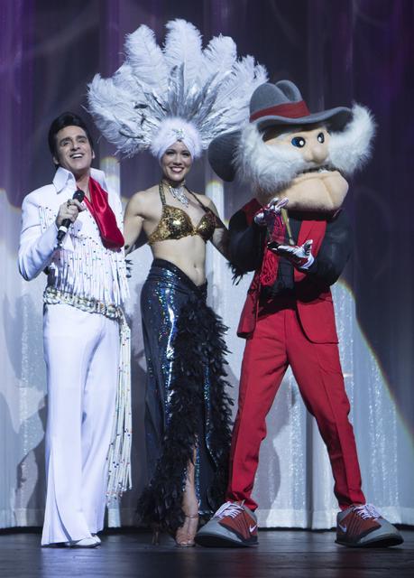 Steve Connolly, left, presents UNLV's mascot, Hey Reb, an award during the Best of Las Vegas Show at The Venetian Las Vegas hotel-casino on Saturday, Nov. 5, 2016. Loren Townsley/Las Vegas Review- ...