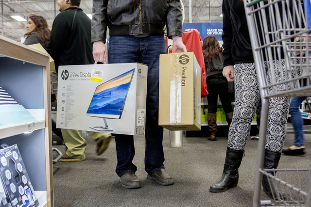 Shoppers Line Up To Nab Black Friday Specials In Las Vegas Valley