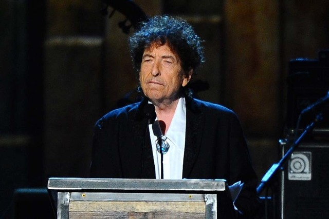 Bob Dylan accepts the 2015 MusiCares Person of the Year award at the 2015 MusiCares Person of the Year show in Los Angeles, Feb. 6, 2015.  (Vince Bucci/Invision/AP, File)