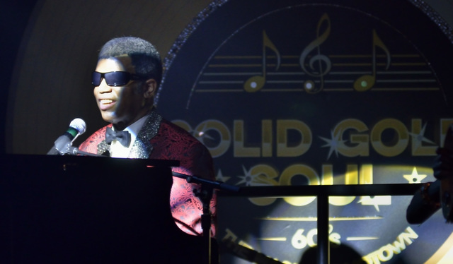 Pete Peterkin performs as Ray Charles in ғolid Gold SoulӠin the Windows Showroom at Bally's hotel-casino at 3645 Las Vegas Blvd. South in Las Vegas on Sunday, Oct. 30, 2016. Bill Hughes/Las Vega ...