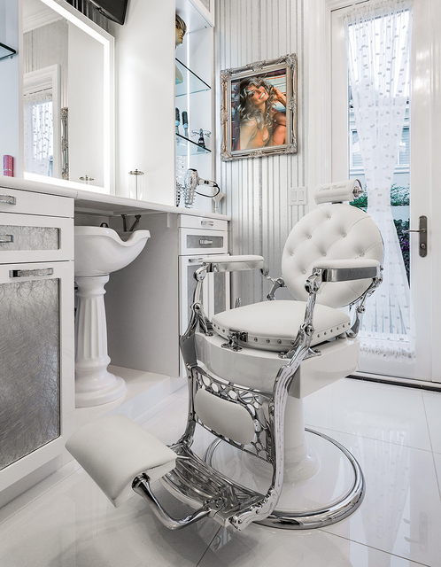 "David Reisman/Real Estate Millions In true ""Diva"" fashion the Frank Marino, star of ""Divas Las Vegas"" had a salon installed into his remodeled home."