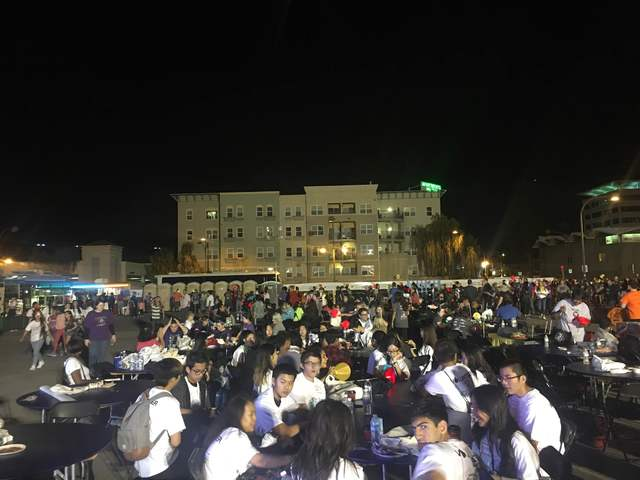 Hundreds Of People Eat After The Leukemia And Lymphoma Society Light The  Night Walk In Downtown