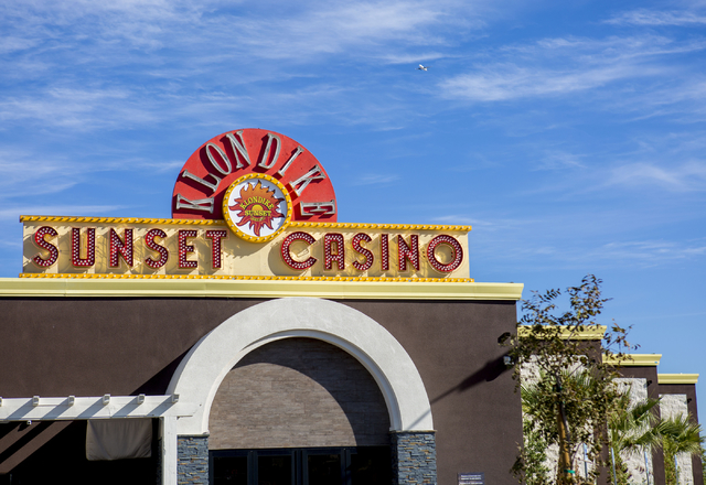 A view of the front entry of Klondike Sunset Casino, 444 W. Sunset Road, Henderson, Tuesday, Nov. 15, 2016. (Elizabeth Page Brumley/Las Vegas Review-Journal Follow @EliPagePhoto)