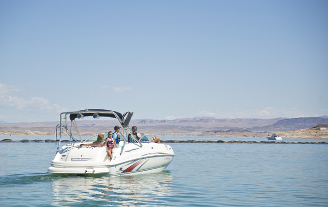 Visitors set out for a day on Lake Mead on Friday, May 27, 2016. Park staff expect thousands of visitors over Labor Day weekend. (Daniel Clark/Las Vegas Review-Journal) Follow @DanJClarkPhoto