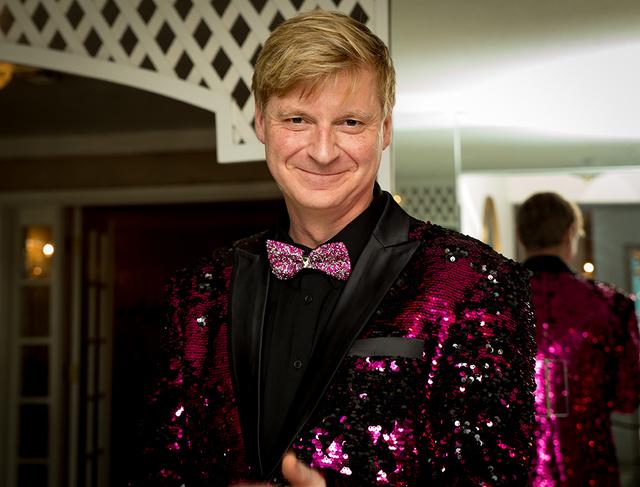 Bryant Olender visits the Liberace Mansion. (Tonya Harvey/Real Estate Millions)