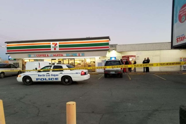 North Las Vegas police investigate a fatal shooting early Thursday morning, Nov. 10, 2016, near East Cheyenne Avenue and Civic Center Drive. (Mike Shoro/Las Vegas Review-Journal)
