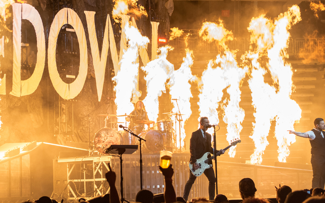 Shinedown headlines T-Mobile Arena on Friday, Oct. 28, 2016, in Las Vegas. (Gene Boothe)