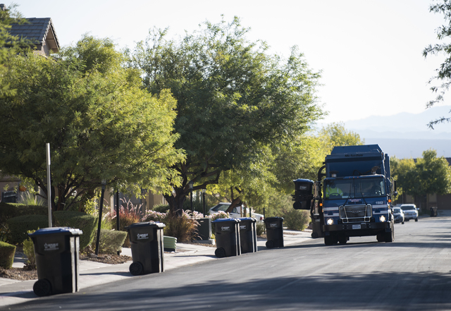 Republic Services picks up recycling in a northwest Las Vegas neighborhood on Thursday, Oct. 6, 2016. Martin S. Fuentes/Las Vegas Review-Journal.