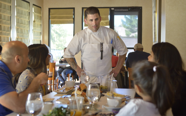 Chef and owner Matt Meyer talks with customers at Served at 1770 W. Horizon Ridge Pkwy. in Henderson on Saturday, Nov. 19, 2016. Bill Hughes/Las Vegas Review-Journal