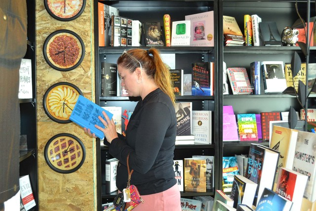 Gretchen Adams looks at a book at The Writer's Block in downtown Las Vegas on Saturday, Nov. 26, 2016. Pashtana Usufzy/Las Vegas Review-Journal