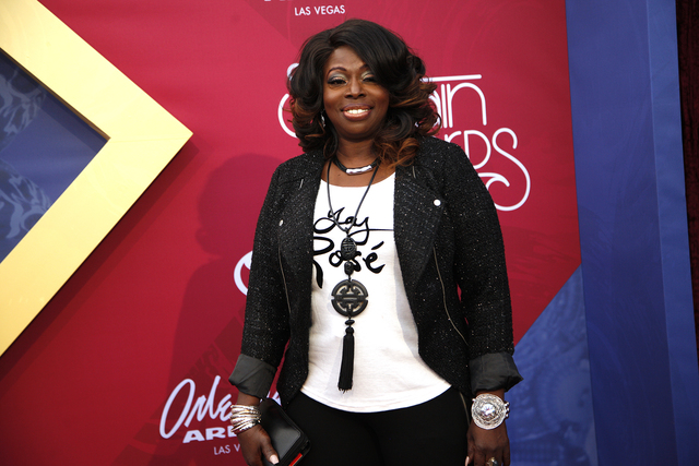 Angie Stone walks the red carpet at the Soul Train Music Awards on Sunday, Nov. 6, 2016, at the New Orleans Arena in Las Vegas. (Rachel Aston/Las Vegas Review-Journal Follow @rookie__rae)