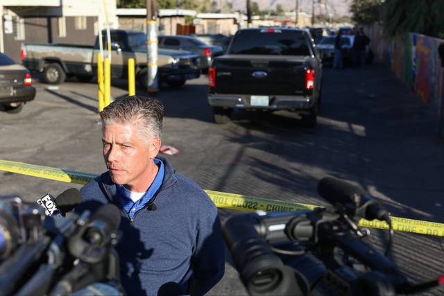Las Vegas Metro police Lieutenant Dan McGrath briefs the media about the shooting death of a man at a Sunrise Avenue apartment in Las Vegas on Friday, Nov. 25, 2016. Brett Le Blanc/Las Vegas Revie ...
