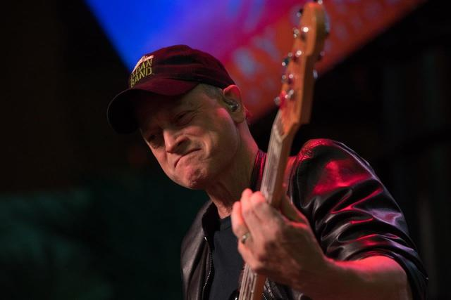 Salute to the Troops featured Gary Sinise & The Lt. Dan Band and celebrity chef Robert Irvine at Fremont Street Experience on Saturday, Nov. 12, 2016, in Downtown Las Vegas. (Tom Donoghue)