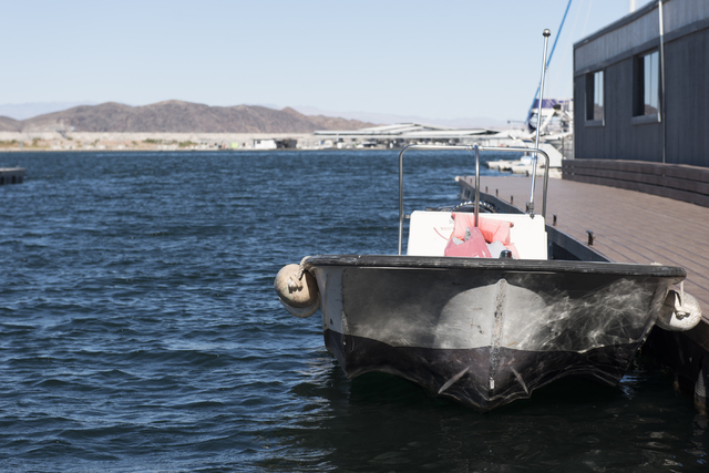A boat sits at Lake Mead Marina in Boulder City, Thursday, Nov. 17, 2016. (Jason Ogulnik/Las Vegas Review-Journal)