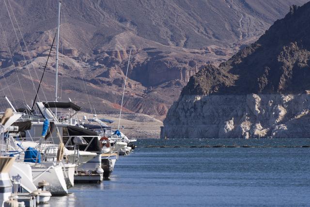 Lake Mead's water level near Las Vegas Boat Harbor in Boulder City is seen Thursday, Nov. 17, 2016. (Jason Ogulnik/Las Vegas Review-Journal)