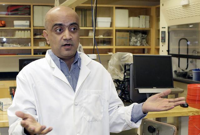 Kumud Acharya, chief technology officer for WaterStart, speaks during an interview in his lab at Desert Research Institute, Thursday, Nov. 17, 2016, in Las Vegas. (Bizuayehu Tesfaye/Las Vegas Revi ...