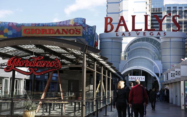 Construction of Giordano's nears completion at the Grand Bazaar Shops in Las Vegas on Friday, Dec. 2, 2016. (David Guzman/Las Vegas Review-Journal) @DavidGuzman1985