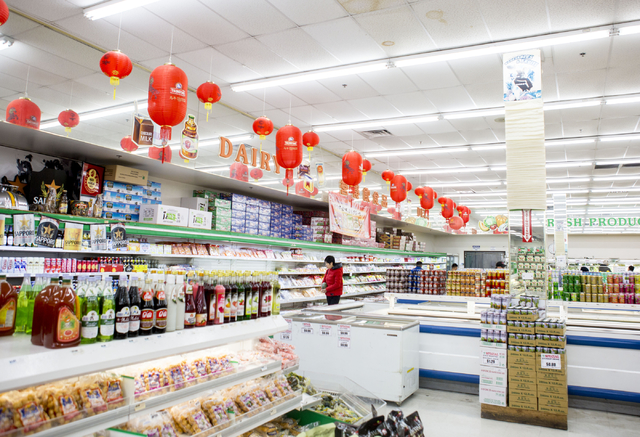 A customer shops in the SF Market in the Las Vegas Asian Plaza, 5115 Spring Mountain Rd, Las Vegas, Friday, Dec. 2, 2016. Elizabeth Page Brumley/Las Vegas Review-Journal Follow @EliPagePhotoPacific
