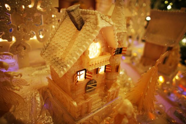 The gingerbread village at the Four Seasons Hotel lobby on Monday, Dec. 12, 2016, in Las Vegas. (Rachel Aston/Las Vegas Review-Journal) @rookie__rae