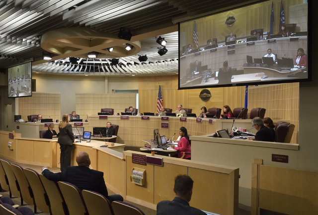 A Henderson City Council meeting on Tuesday, May 17, 2016. (Bill Hughes/Las Vegas Review-Journal)