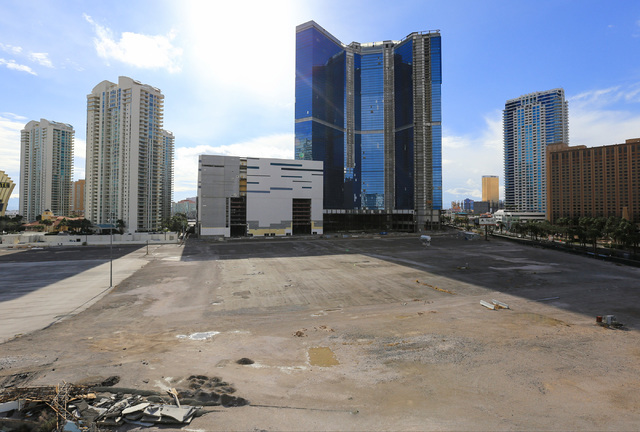 The unfinished Fontainebleau hotel-casino on the Strip in Las Vegas on Friday, Dec. 23, 2016. Brett Le Blanc/Las Vegas Review-Journal Follow @bleblancphoto