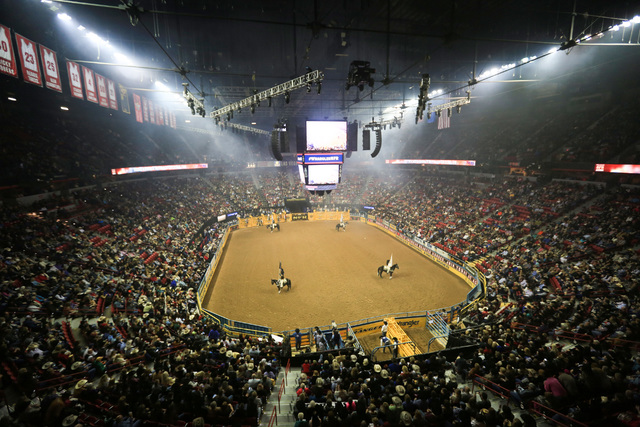 2016 National Finals Rodeo First Go Round Results Las